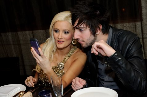 holly-madison-and-boyfriend-jack-barakat-at-lavo-restaurant-las-vegas-photo-credit-al-powers