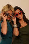 kim-kardashian-and-kelly-ripa_qvc_4-6-2010_051